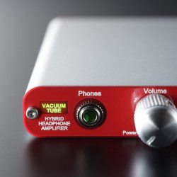 PORTABLE VACUUM TUBE HEADPHONE AMPLIFIER TU-HP01